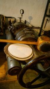 Maschine in der Ölmühle 1